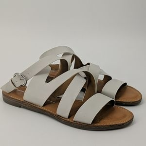NWT REPORT Quill Strappy Flat Sandals